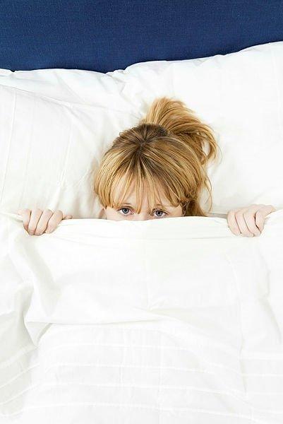 Kilo vermek istiyorsanız yatmadan önce sadece 5 dakika bunu yapın!