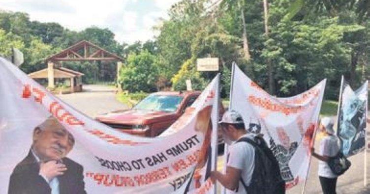 Feto'yu Pensilvanya'da protesto ettiler