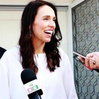 Yeni Zelanda başbakanı görevi başında hamile kalan ikinci lider oldu!