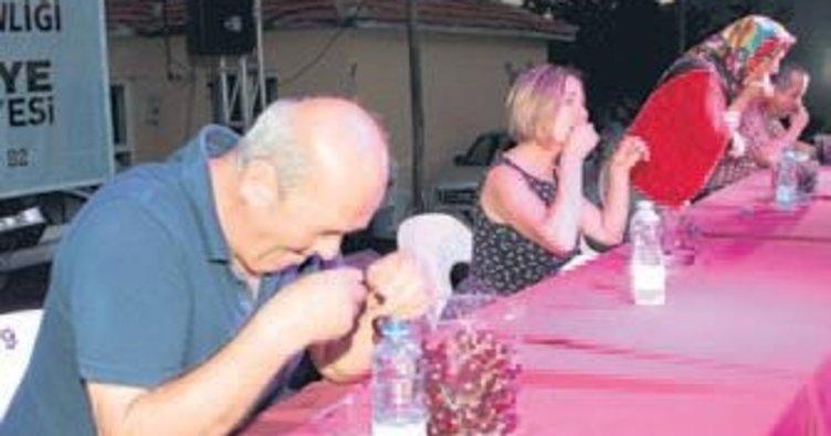 Kiraz yeme yarışması