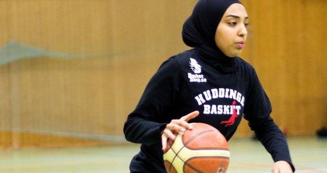 Başörtülü basketbolcuya FIBA'dan izin çıktı