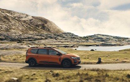 Dacia, yeni 7 kişilik modelini sahneye çıkardı