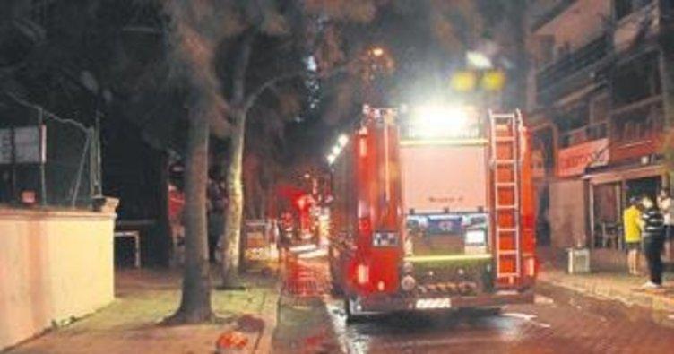 Bornova'da çıkan ev yangını korkuttu