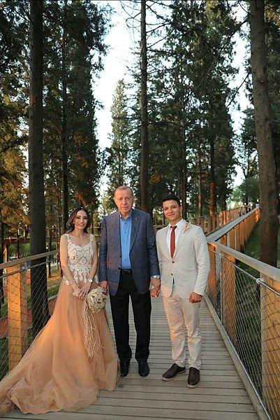 Başkan Erdoğan, Nakkaştepe Millet Bahçesi'ni gezdi vatandaşlarla sohbet etti