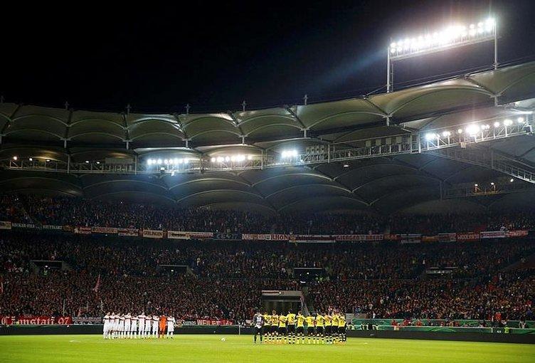 Dortmund taraftarından olay protesto!