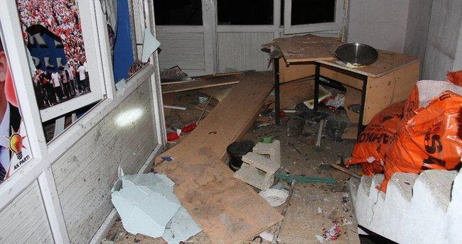 Muradiye'de AK Parti binasına saldıranlar yakalandı