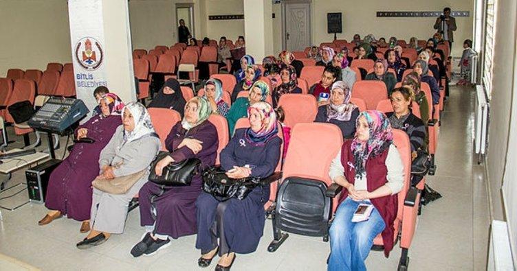 Bitlisli kadınlara yönelik kanser semineri