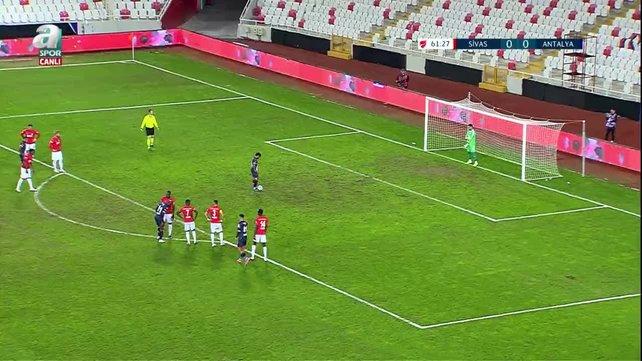 Antalyaspor 1-0'lık skorla yarı finale yükseldi!
