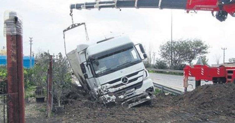 TIR kazaları ucuz atlatıldı