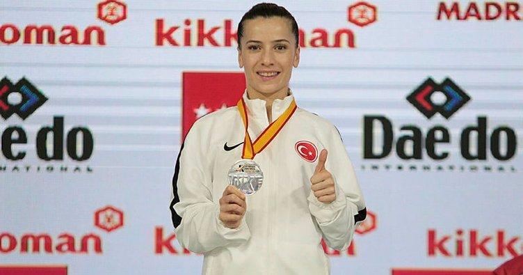 Karatede Serap Özçelik Arapoğlu dünya ikincisi oldu