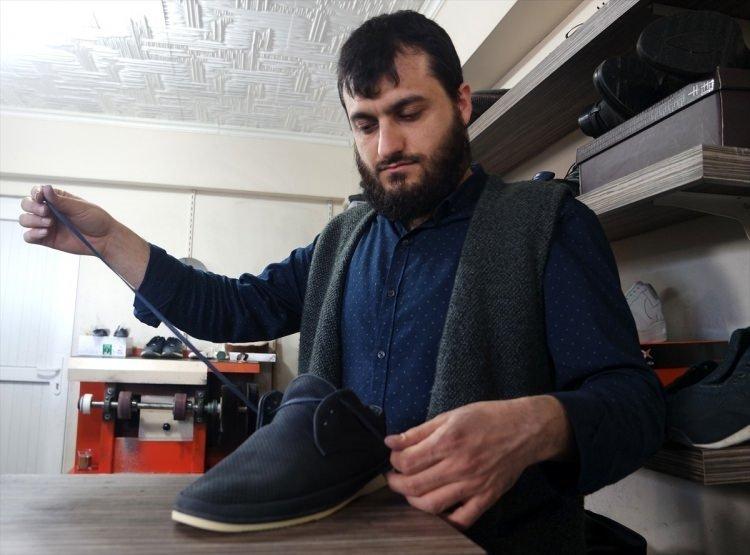 Kullanılamaz haldeki ayakkabıları sıfır ayarına getiriyorlar