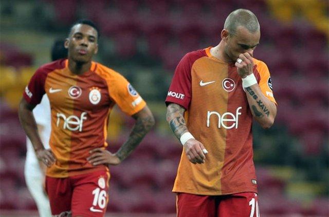 Galatasaray'da kriz! İdmana çıkmayı reddettiler...