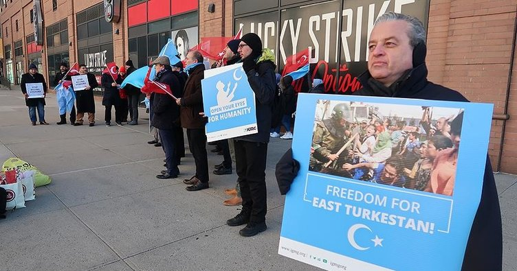 New York'ta Çin yönetiminin Doğu Türkistan'daki baskıcı politikaları protesto edildi