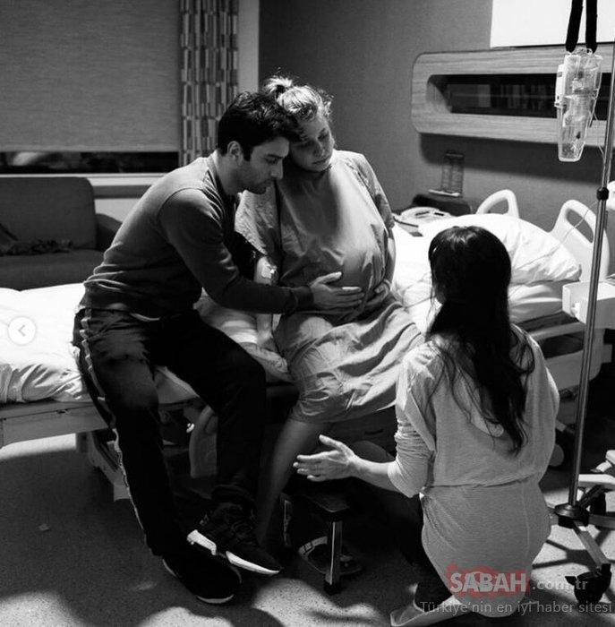 Gamze Erçel'in doğum videosu izleyenleri duygulandırdı... Gamze Erçel'in bebeğinin göbek bağını Hande Erçel kesmiş...