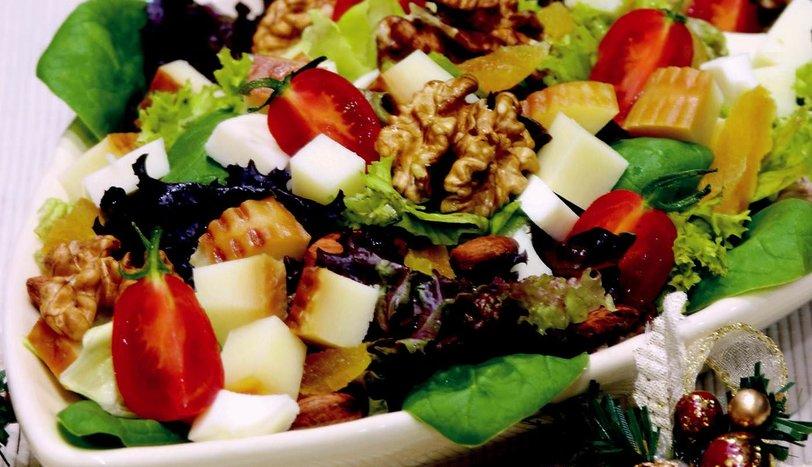 Tütsülenmiş Peynirli Kış Salatası