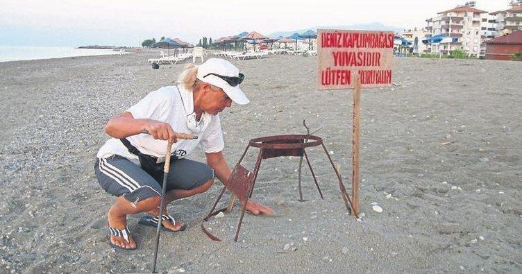 Caretta-caretta yuvalarını gönüllüler bekliyor
