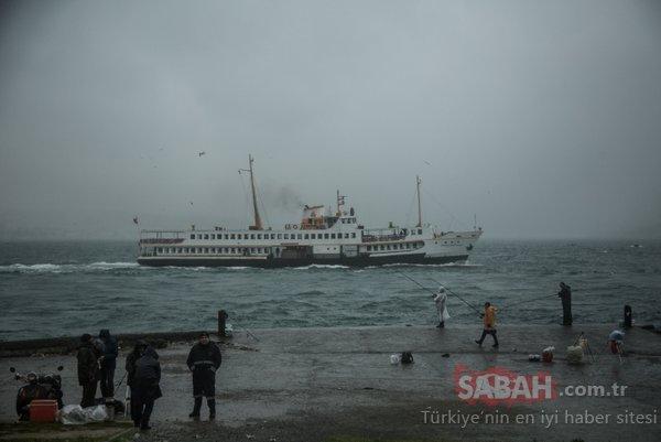 Yağmur ve rüzgar vatandaşlara zor anlar yaşattı