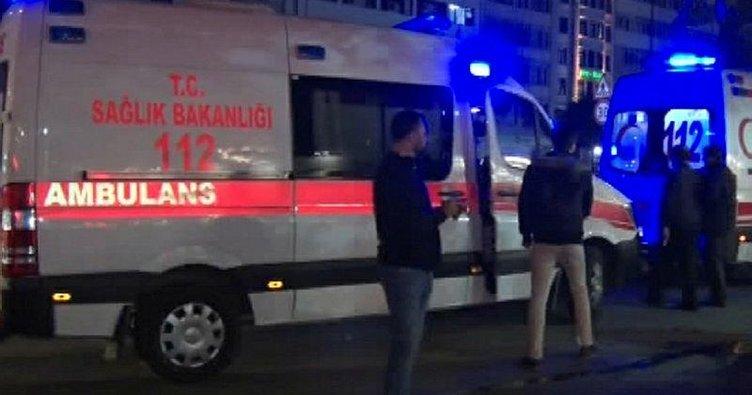 Fatih'te yolda yürüyen iki kişiye silahlı saldırı