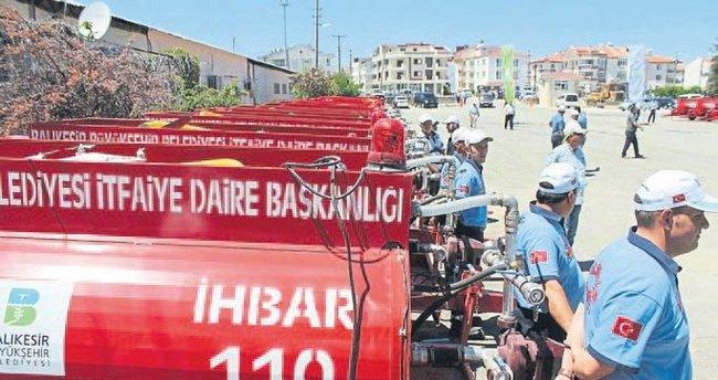 Yangın söndürme tankerleri mahalle muhtarlarına teslim