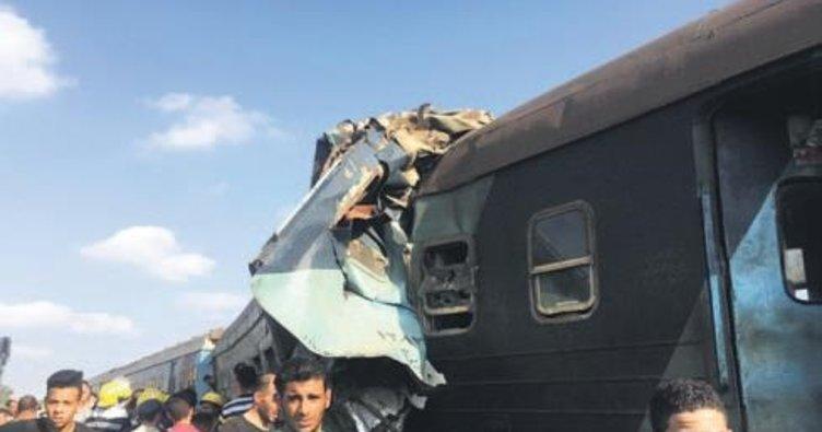 Mısır'da katliam gibi tren kazası
