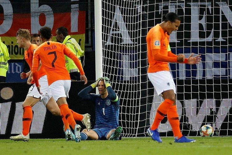 Geceye damga vuran skor! Hollanda deplasmanda Almanya'yı dağıttı!