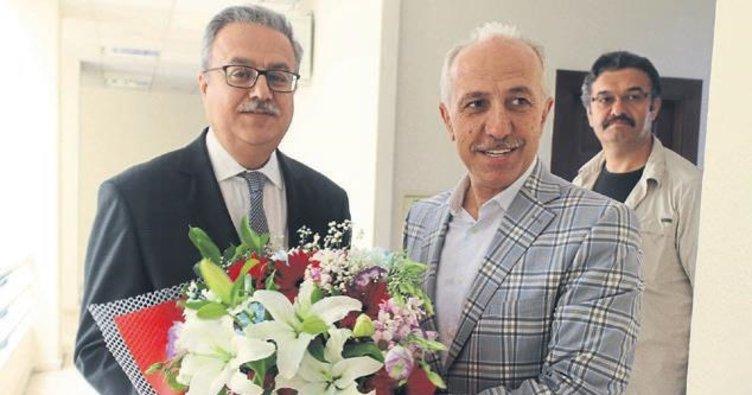 Mersin Valisi Su, Başkan Gültak'ı ziyaret etti
