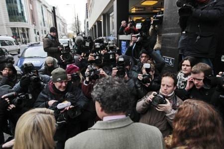Assange tutuklanma anından kareler