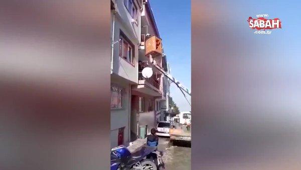 Bursa'da UEDAŞ ekipleri mahsur kalan kedinin imdadına yetişti | Video