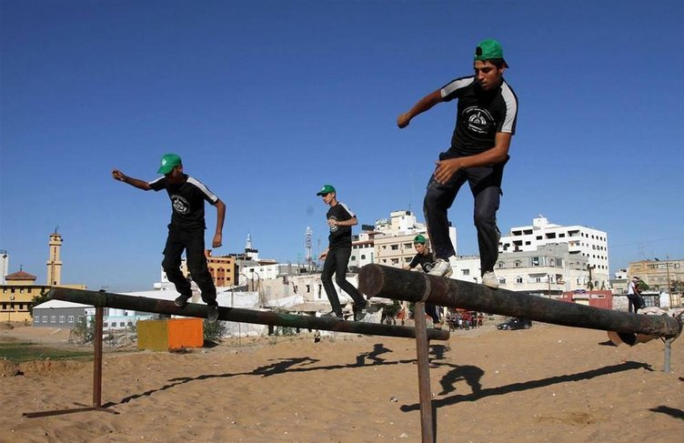 Hamas'tan çocuklara eğitim