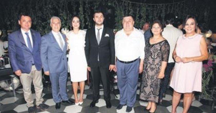 Mustafa Bozbey'in kızı Side Bozbey ile Mert Can Gürer nişanlandı