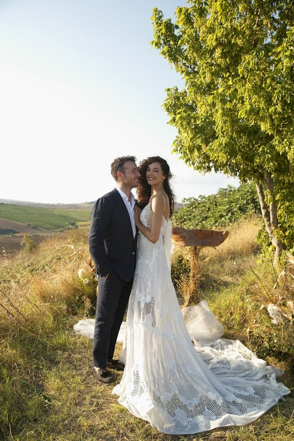 Atakan Koru ile evlenen Azra Akın hamile mi?