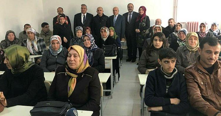 Ana Kız Okuldayız Projesi