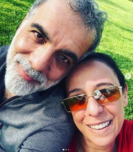 Kadir İnanır Instagram hesabı açtı! Kadir İnanır'ın sevgilisiyle verdiği poz olay oldu!