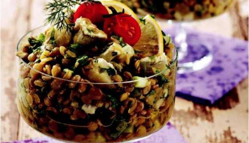 Enginarlı yeşil mercimek salatası
