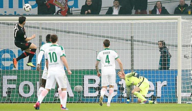 Ömer Toprak, Tayfun Korkut'u ilk maçında yaktı!