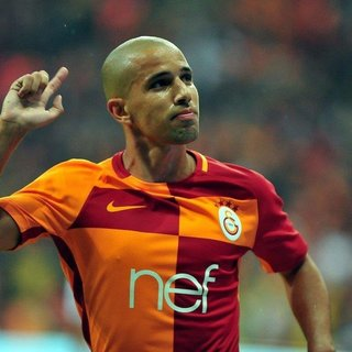 G.Saray'da Feghouli şoku