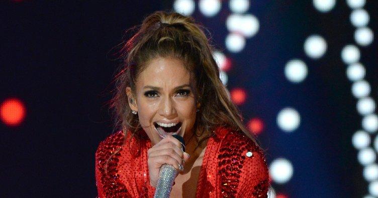 Jennifer Lopez aldatıldı mı?