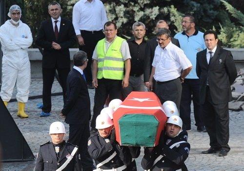Turgut Özal'ın naaşı mezardan çıkarıldı