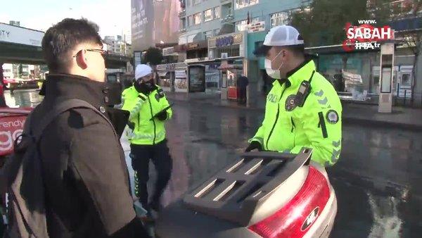 Kasksız, maskesiz motosikletli ceza üstüne ceza yedi | Video