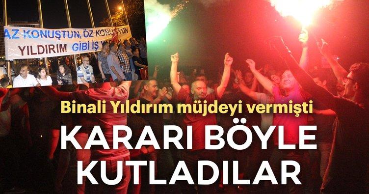 Servisçilerden İBB önünde tahdit kararı kutlaması