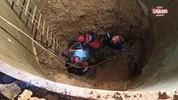 Adana'da kuyu çöktü, 2 işçi toprak altında kaldı