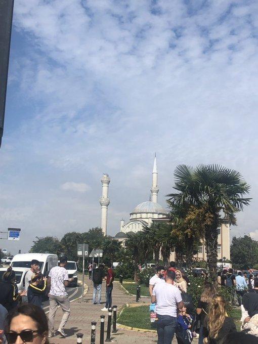 Son dakika: İstanbul'da deprem paniği! İşte ilk kareler...