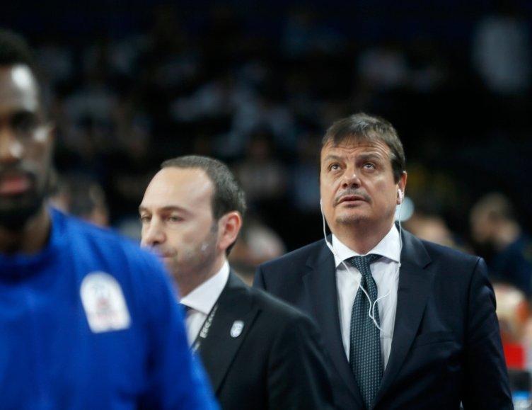 Anadolu Efes - Fenerbahçe Beko maçı sonrası Ergin Ataman'dan flaş kulaklık açıklaması