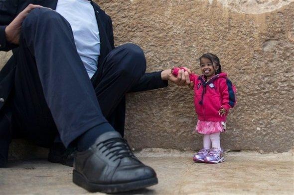 Dünyanın en uzun adamı ve en kısa kadını buluştu!