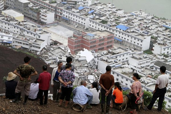 Çin'de sel ve toprak kayması...