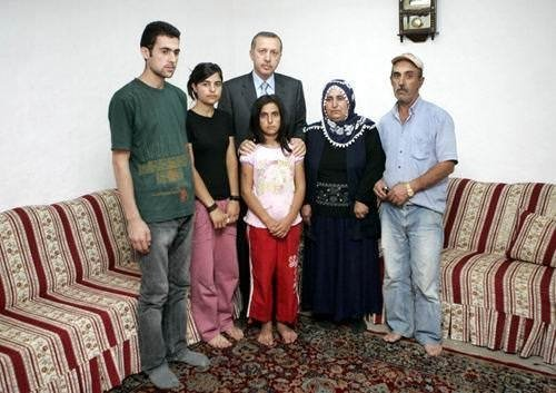 Başbakan Erdoğan'ın iftarda gecekondu ziyareti