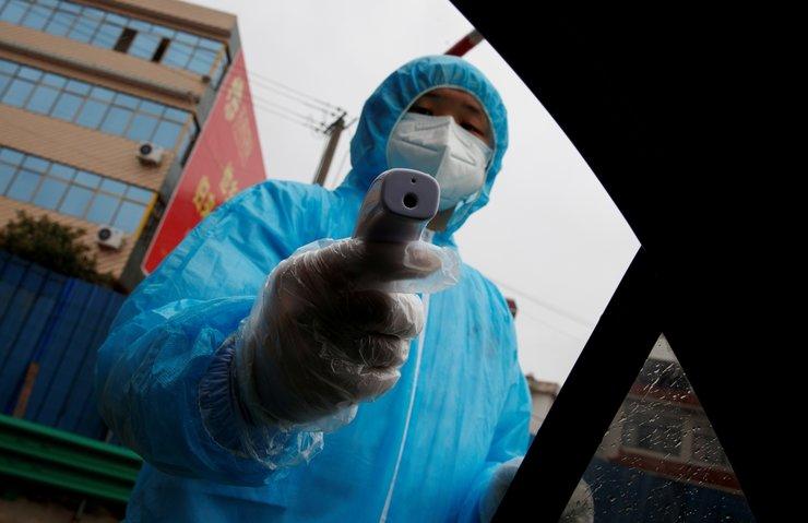 Koronavirüs maskesi için kavga ediyorlar! Kullanılmış maskelerden de...