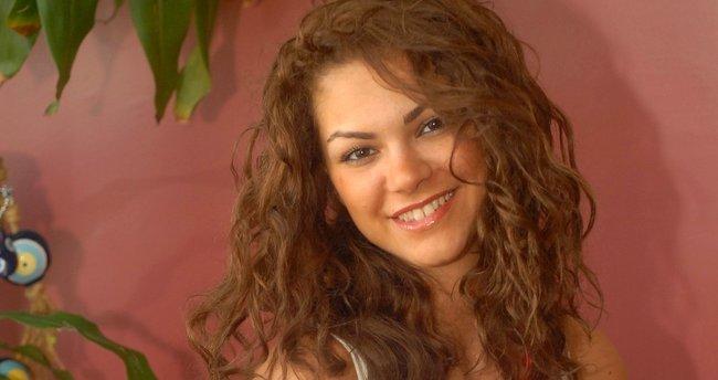 Şarkıcı Nez evliliğe ilk adımı attı
