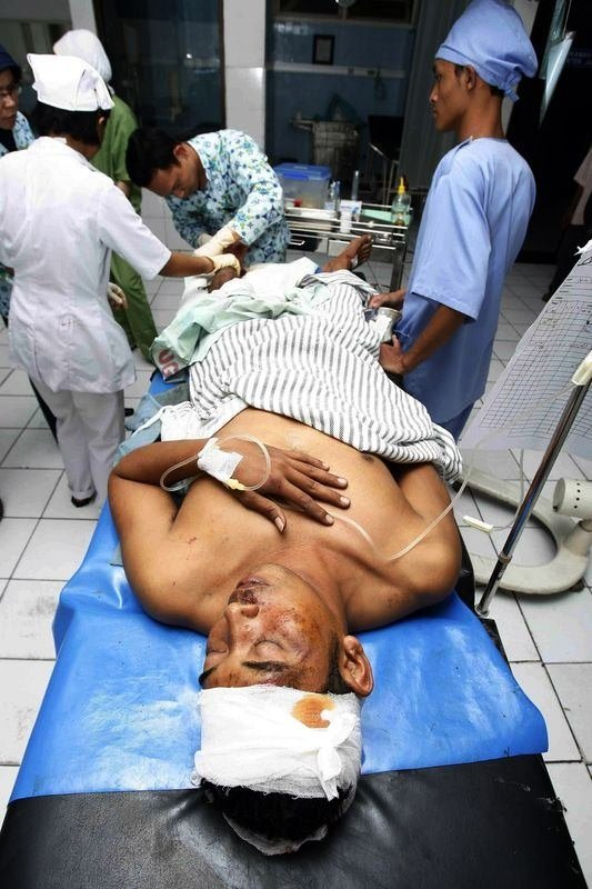 Endonezya'da askeri uçak düştü