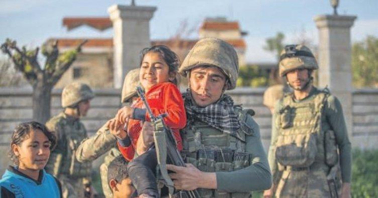 Afrin kahramanları için zafer marşı